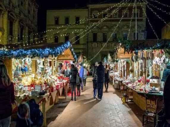 mercatini di natale toscana