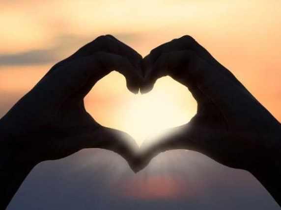 foto citazioni amore mani