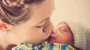 Foto non baciare neonato sul viso