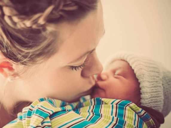 bacio neonati