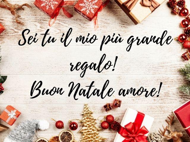 Le più belle immagini di natale per festeggiare un indimenticabile santo natale. Buon Natale Amore Mio 141 Frasi Lettere Immagini Video Per Auguri Di Natale Romantici Passione Mamma