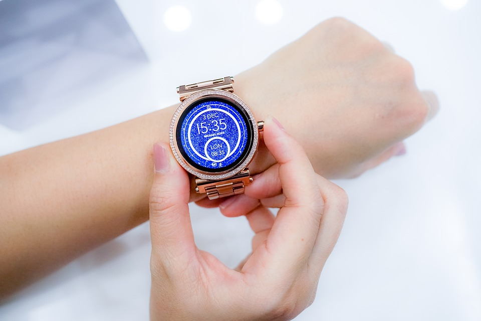 orologio touch o smartwatch