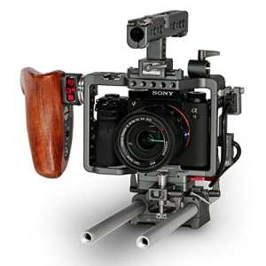 TILTA ES-T17-A Sony Alpha A7 A7S A7R A7S III A7R Mark III MK3 Camera Lightweight Fotocamera rig Cage 15mm rod release baseplate Top Handle + Wooden Handle (record function)