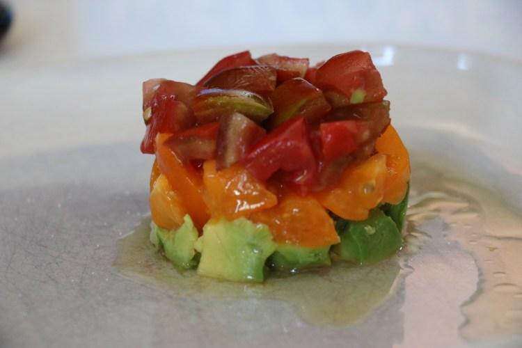 tartare d'avocat aux 2 tomates