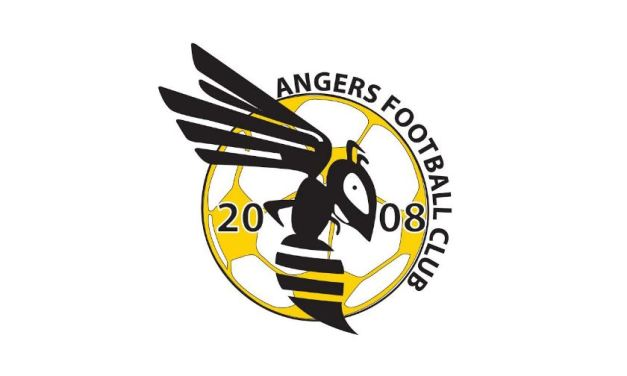 Le club d'Angers Football Club recherche un arbitre pour la saison prochaine.