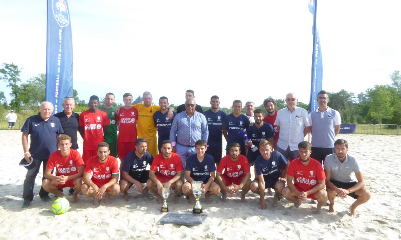 TVEC Les Sables d'Olonne remporte le dixième Challenge Régional de Beach Soccer.