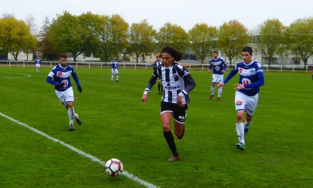 Coupe des Pays de la Loire (5e Tour) : Angers NDC a manqué de réussite face à une équipe de Basse-Goulaine bien organisée (1-2).