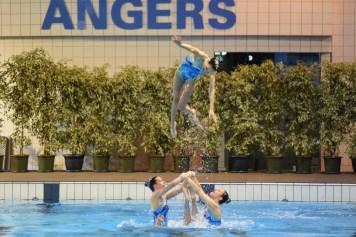 Porté des nageuses du Pays d'Aix Natation (Championne de France N1 en équipe libre) (Photo : Jimmy Joubert)