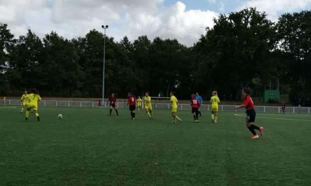 Les Nantaises du FC Nantes surclassent les Choletaises du SOC en championnat R2 féminine (4-0).