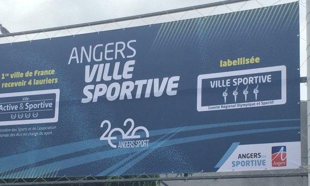 Signature d'un protocole d'accord entre la Ville d'Angers et la Fédération Française d'Athlétisme.