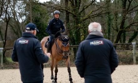 L'équipe de France de concours complet en ordre de marche.