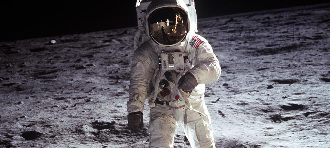 first man e sbarco luna