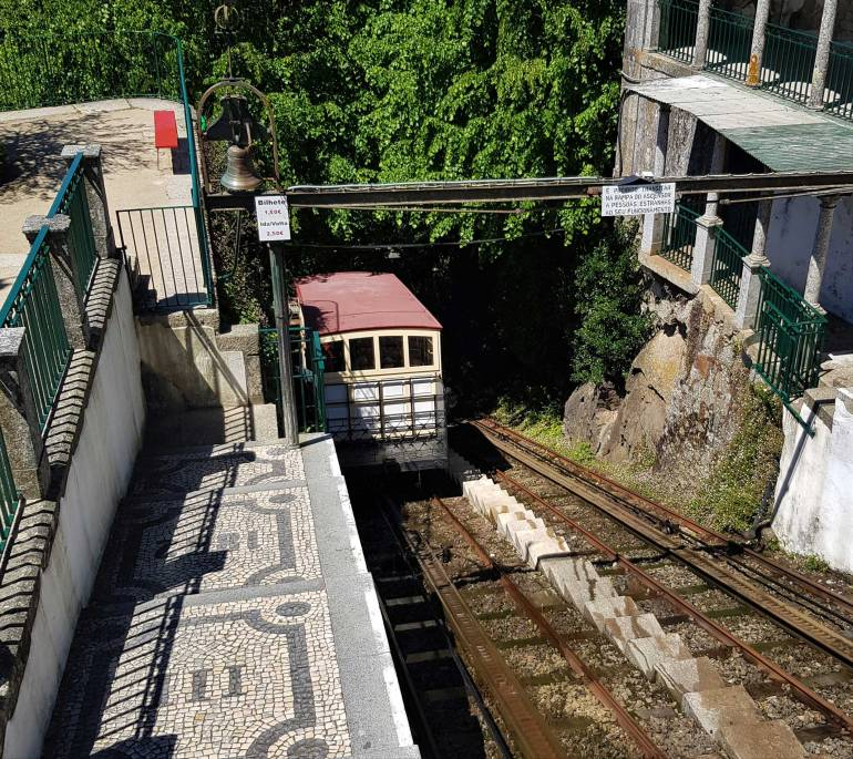 Bom Jesus do Montte Funicular Railway carriage descending the steep hill.