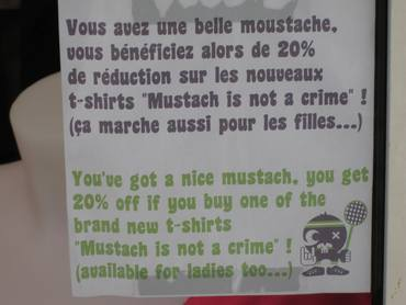 Biarritz_moustache