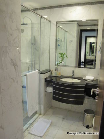 Radisson Dubai Bathroom
