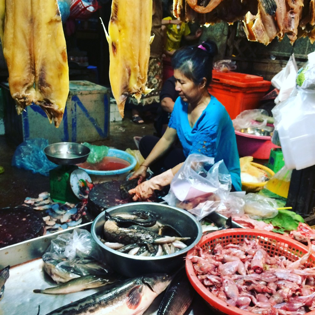 Visiting a wet market in Phnom Penh should go to the top of your things to do in Phnom Penh list.
