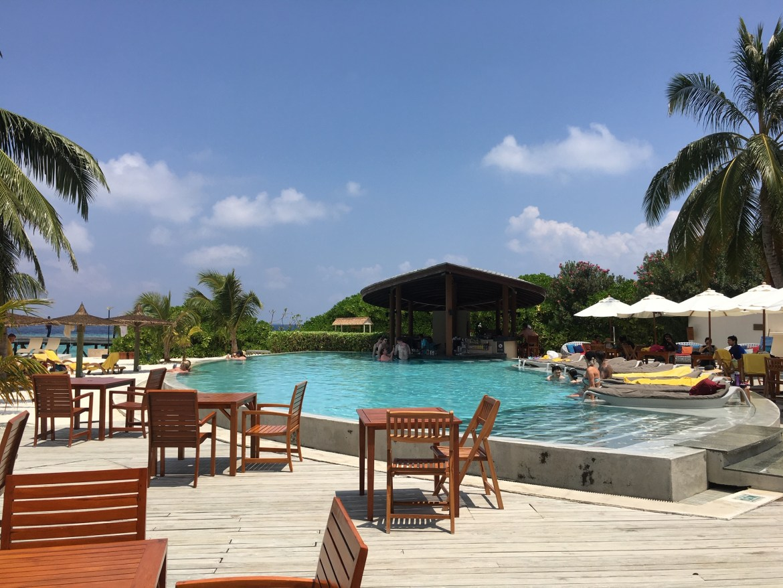 Centara Ras Fushi Maldives Pool