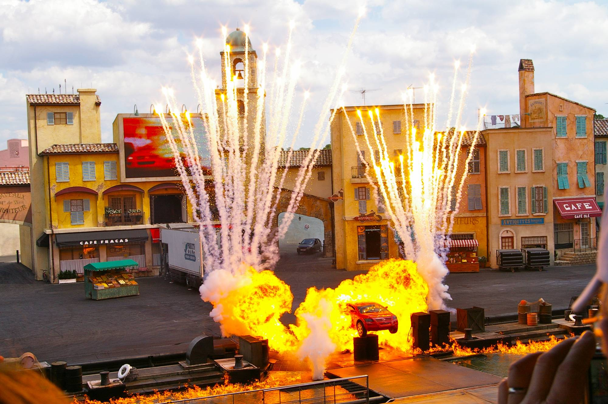 Lights Motors Action Extreme Stunt Show Closed