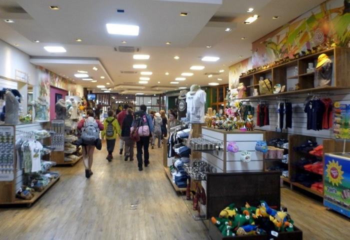 21-brazil-iguazu-falls-gift-shop