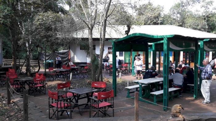 24-argentina-iguazu-falls-food