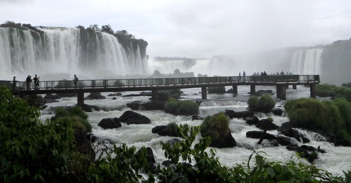 28-brazil-iguazu-falls-bridge