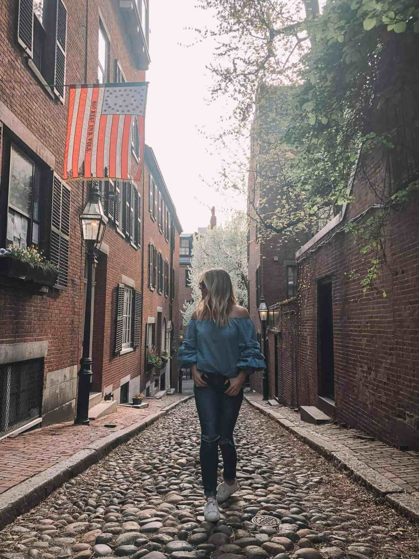 Complete Guide to Boston - Acorn Street