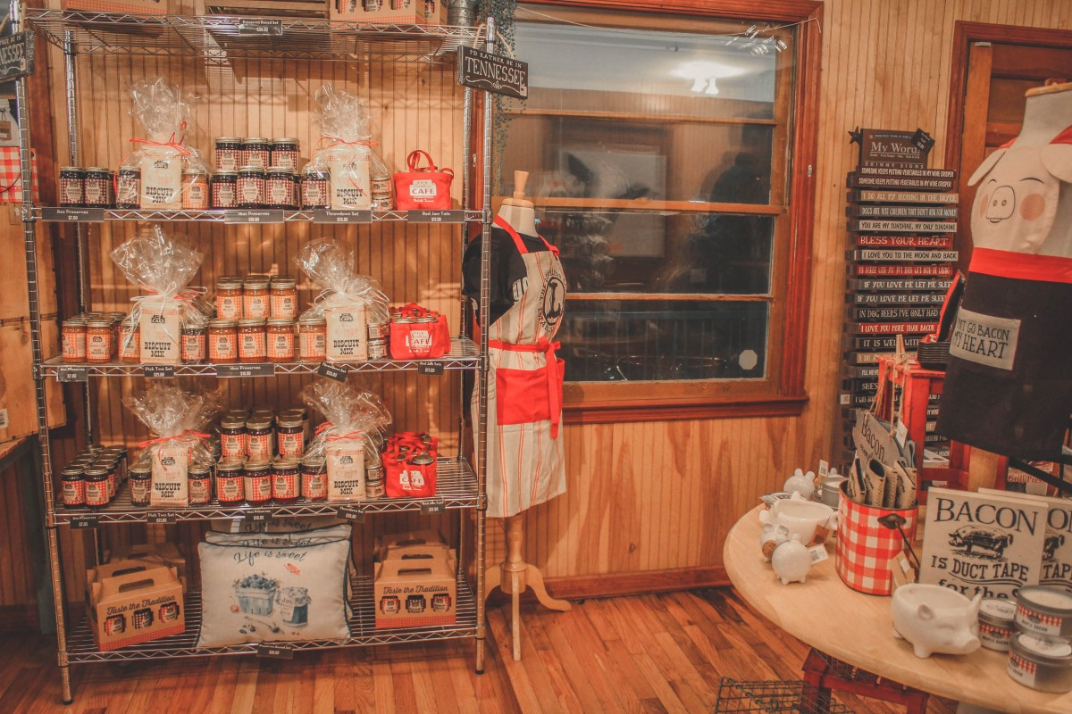 gift shop showing preserves at Loveless Cafe