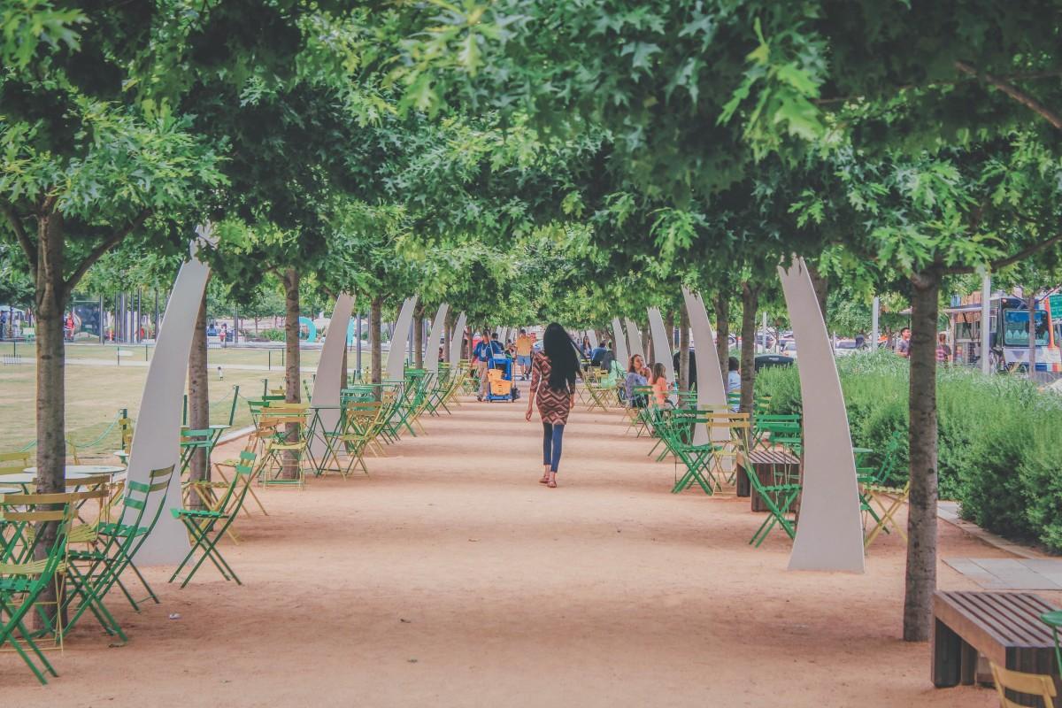 Walking through Klyde Warren Park