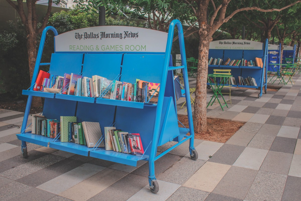 Dallas Morning News promoted reading nook at Klyde Warren Park