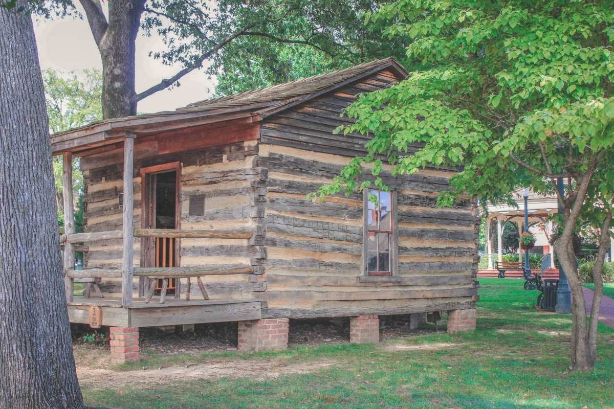 log cabin is one of the top things to do in Collierville, TN