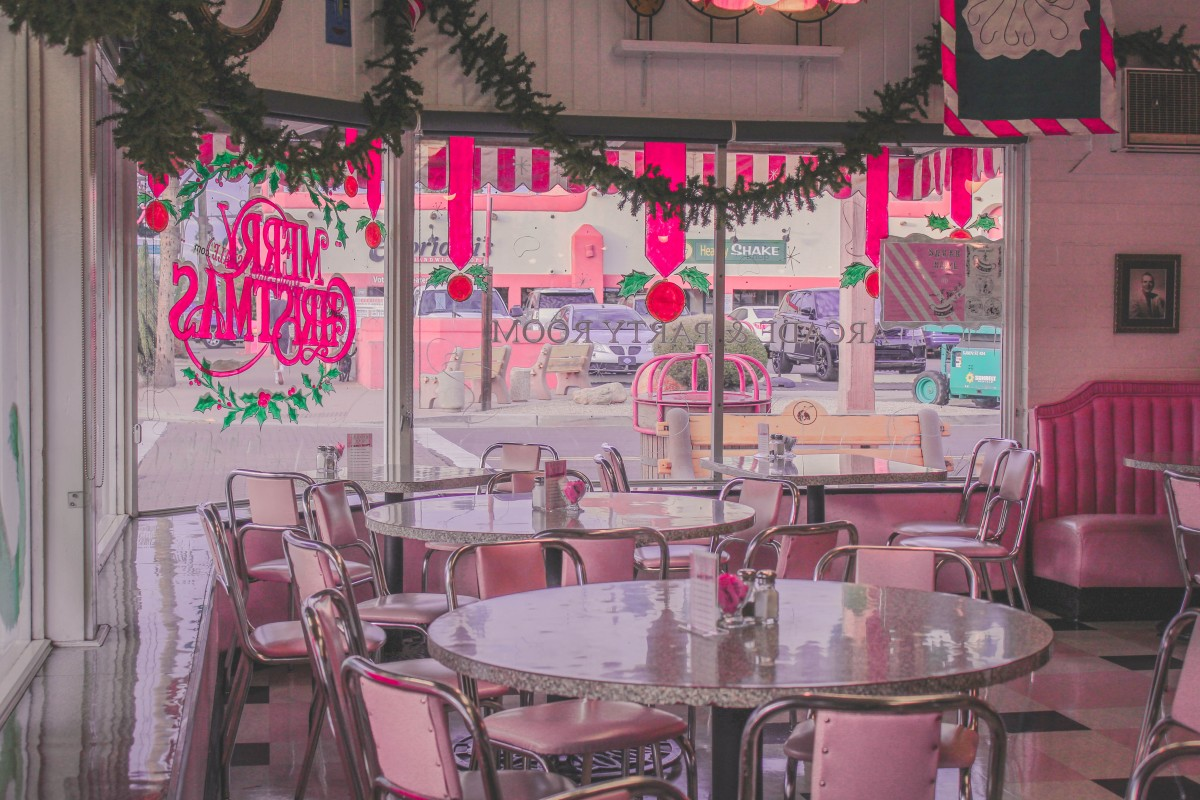 Inside Sugar Bowl, one of the most iconic places to eat in Old Town Scottsdale