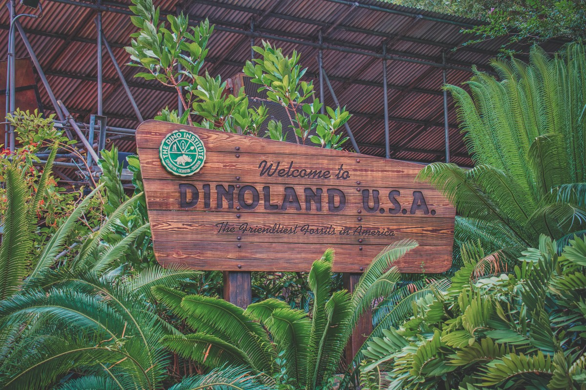 Welcome to Dinoland USA the friendliest fossils in America sign