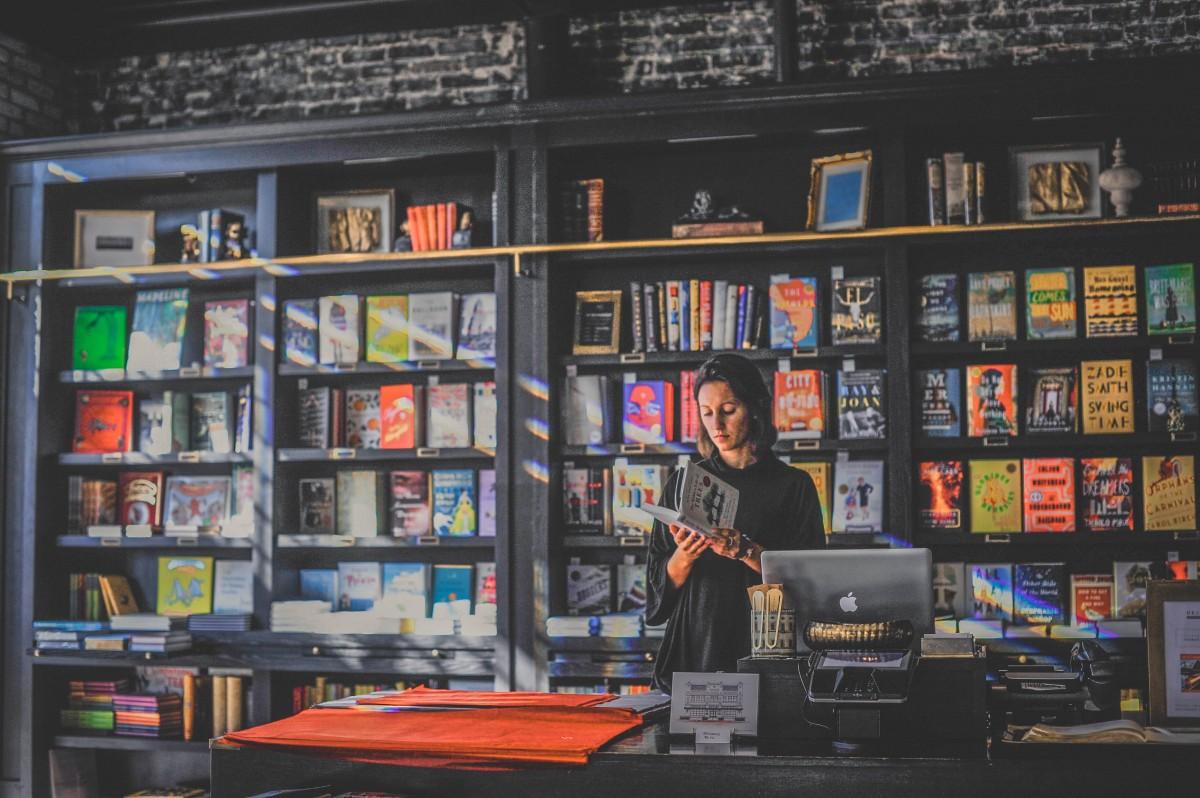 bookstore Oxford Exchange
