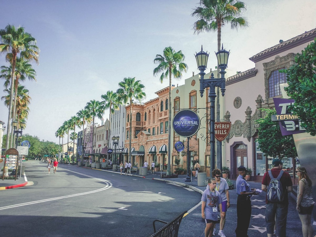 Shopping in Universal Studios on a budget is still possible