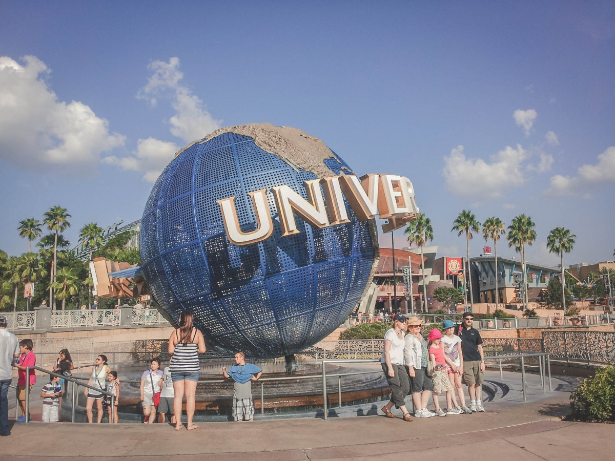 Universal Studios on a budget cover photo