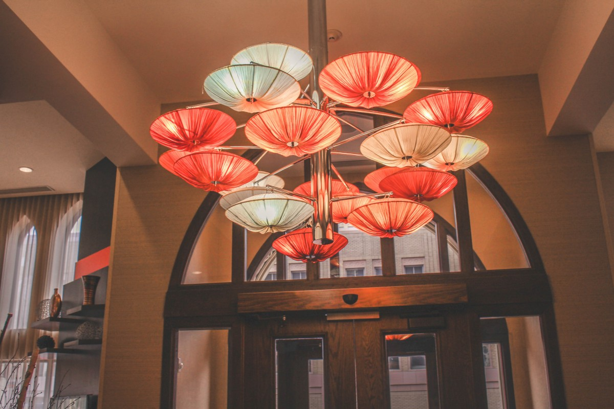 Things To Do In Amarillo, Texas: image of the chandelier in Fisk Medical Arts Building