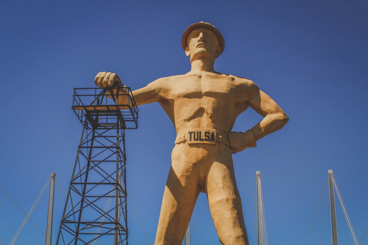 Things to do in Tulsa : photo of the Golden Driller statue
