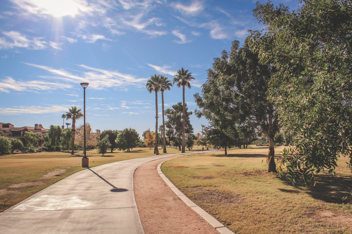 Walking path of Camelback Park, one of the best parks in Scottsdale
