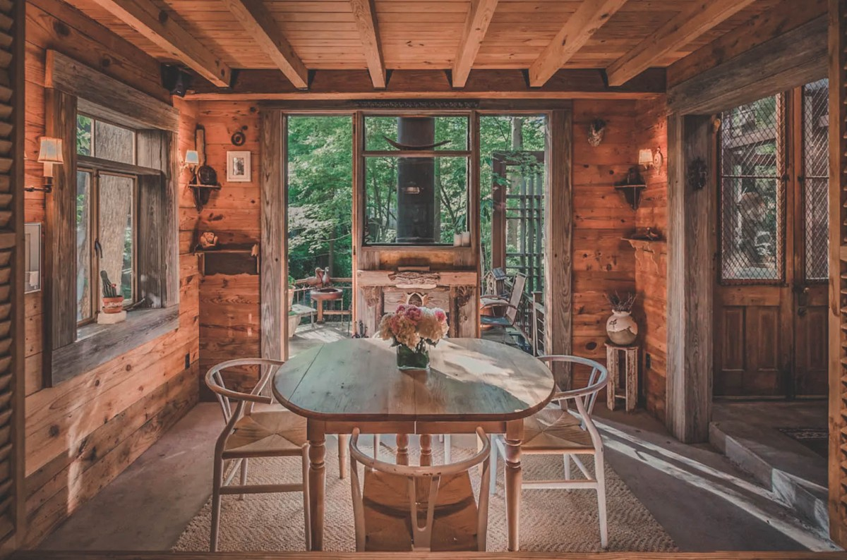 Best Airbnbs In Dallas - Treehouse In Dallas (photo via Airbnb)