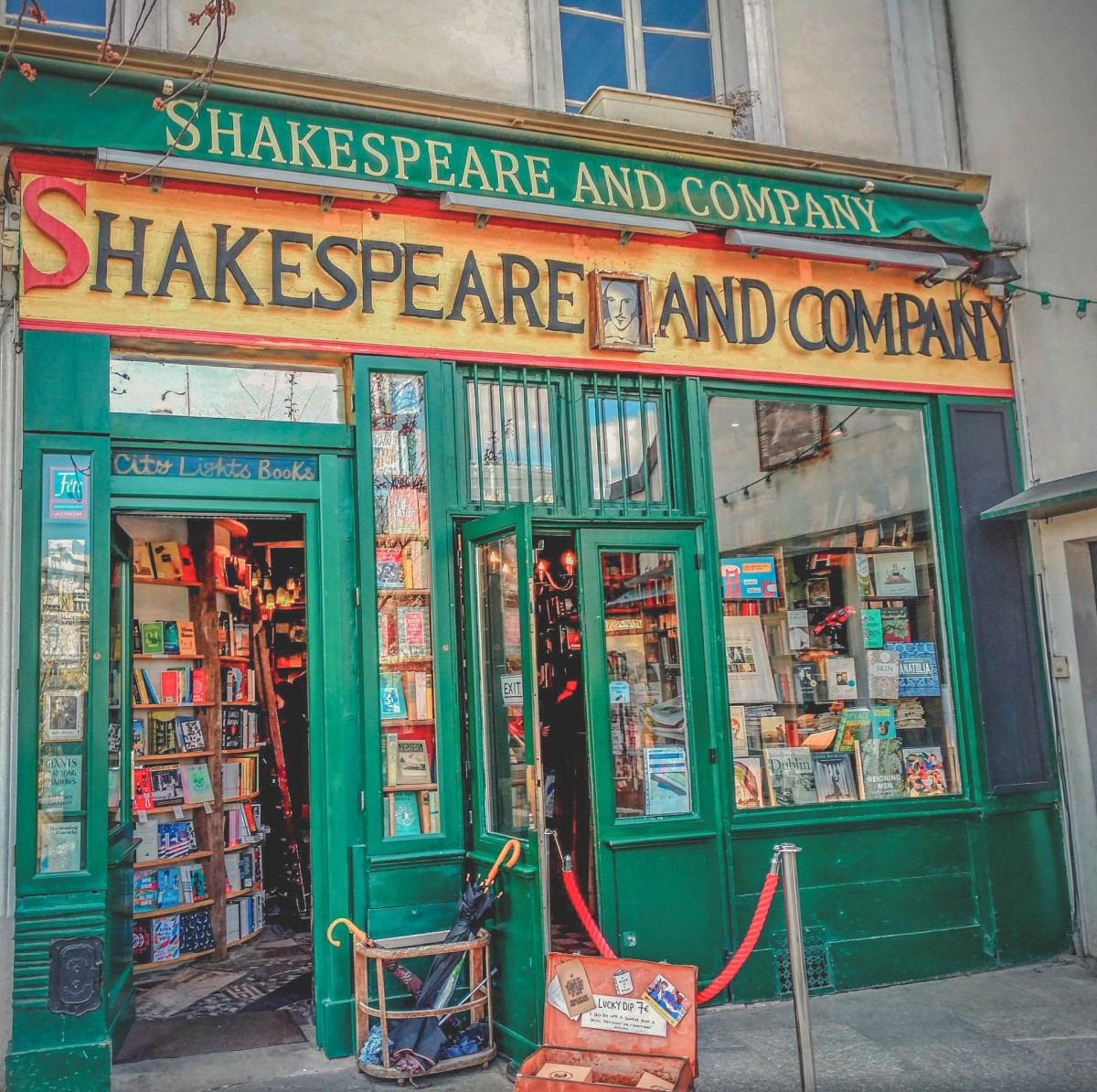 best bookstores in the world : Shakespeare And Company, France