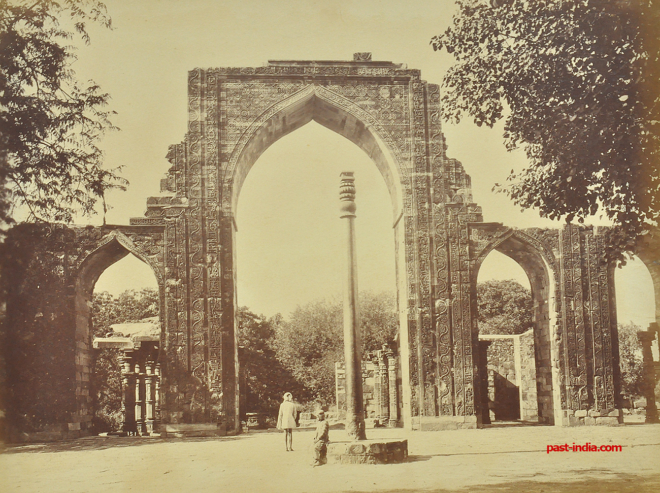 Iron Pillar & Arch At Qutub Minar – Old Photo 1880