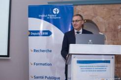 Remise du pack de remerciement au co-gérant de Medical International parmi les premiers adhérents au programme des donateurs