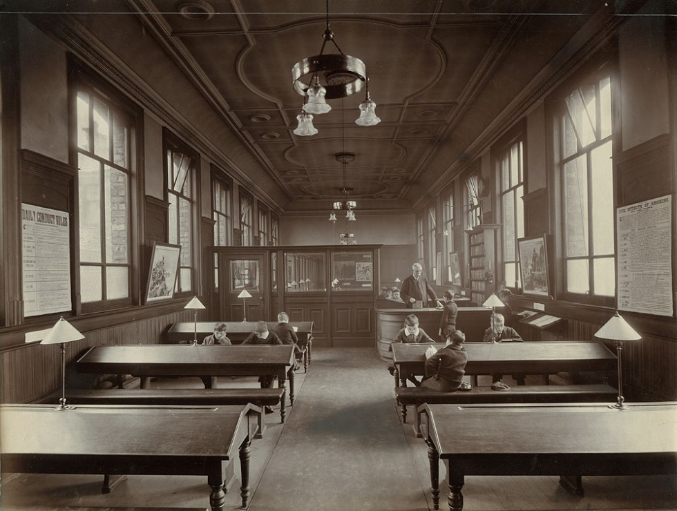Juvenile reading rooms, Kingston Library, 1907. Photo: The Glasgow Story.