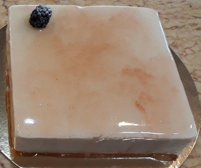 mousse alla vaniglia e bavarese alle more torta mora vanitosa
