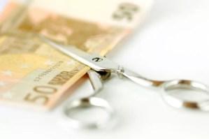 forbici che tagliano 50 euro