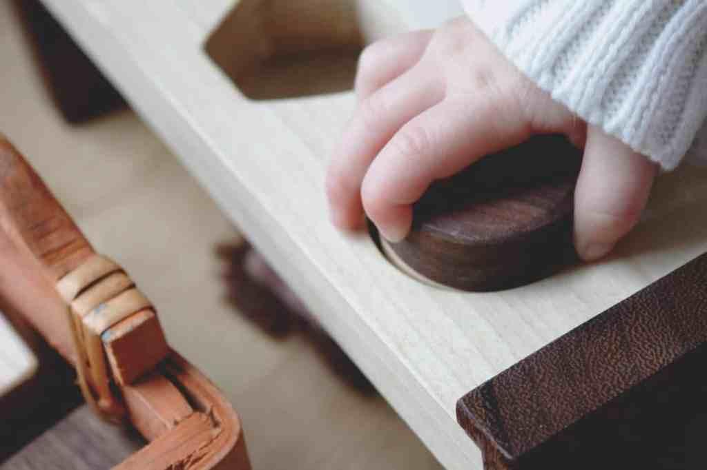 Erziehung Holzspielzeug nach Maria Montessori