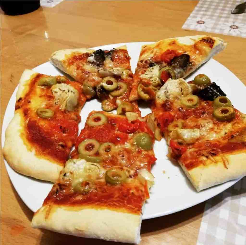 selbstgemachte Pizza
