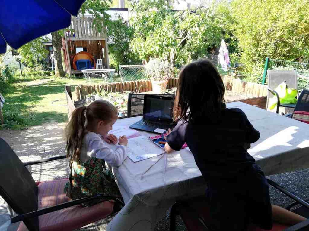 Homeschooling im Garten