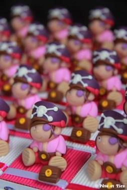 Boîtes à dragées filles pirates corsaires