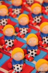 Boîtes à dragées footballeurs super héros